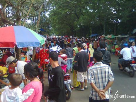 Pasar Tiban Kalibata Selalu Ramai Pengunjung